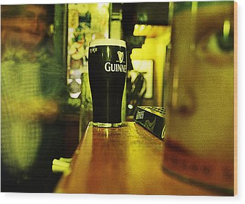 A Pint Wood Print by Tony Reddington