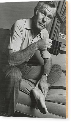 A Portrait Of Johnny Carson Sitting Wood Print by Bruce Bacon