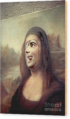 A Profile Of Mona Lisa Wood Print by Michael Hoard