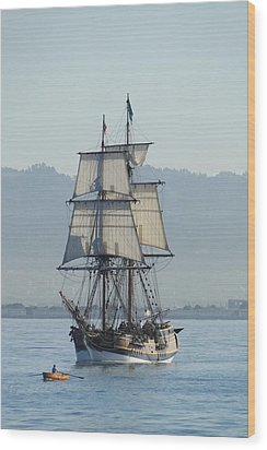 A Row With Lady Washington Wood Print by Barrie Woodward