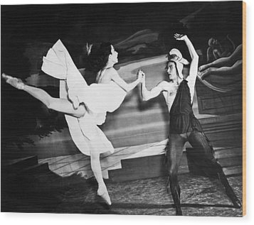 A Scene With The Russian Ballet Wood Print by Underwood Archives