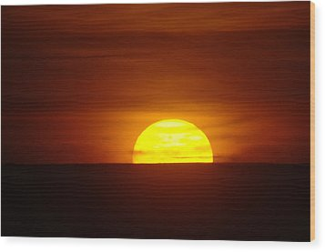 A Slow Sunset Wood Print by Jeff Swan