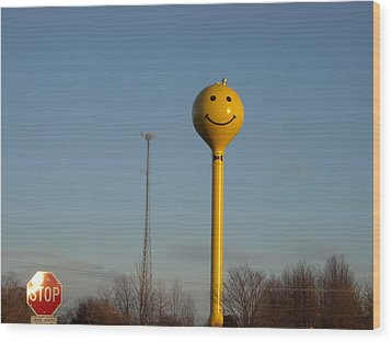 A Smile At The Crossroads. Wood Print