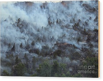 A Smoky Slope On White Draw Fire Wood Print
