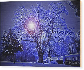 A Snow Glow Evening Wood Print