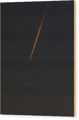 A Streak In The Dark Sky Wood Print