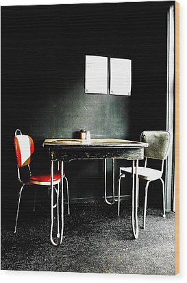 A Table For Two Wood Print by Steve Taylor