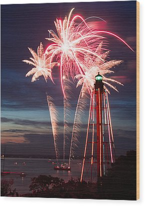 A Three Burst Salvo Of Fire For The Fourth Of July Wood Print