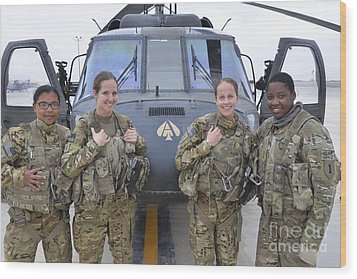 A U.s. Army All Female Crew Wood Print by Stocktrek Images