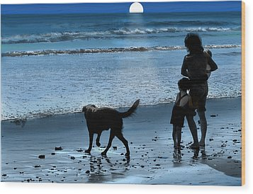 A Walk On The Beach Wood Print by Mike Flynn