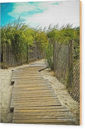 A Walk To The Beach Wood Print by Colleen Kammerer