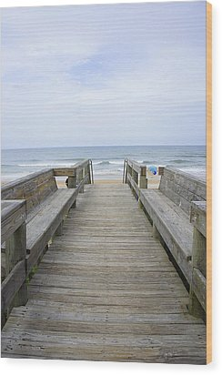 Wood Print featuring the photograph A Welcoming View by Laurie Perry