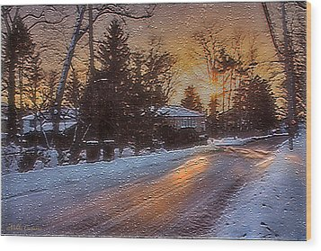A Winter Sunset Wood Print by Mikki Cucuzzo