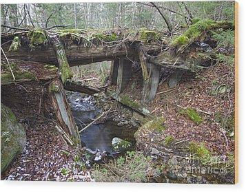 Abandoned Boston And Maine Railroad Timber Bridge - New Hampshire Usa Wood Print by Erin Paul Donovan