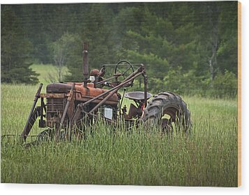 Abandoned Farm Tractor In The Grass Wood Print by Randall Nyhof