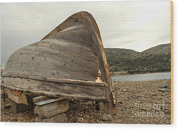 Abandoned Nafplio Fishing Boat Wood Print