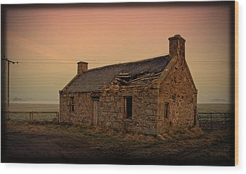 Wood Print featuring the photograph Abandoned Scottish Croft by Liz  Alderdice