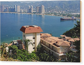 Acapulco Bay Architecture Wood Print by Linda Phelps