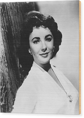 Actress Elizabeth Taylor Wood Print
