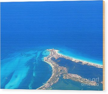 Aerial View Of Cancun Wood Print by Patti Whitten