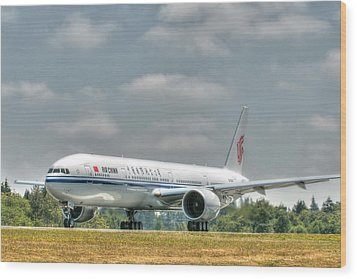 Wood Print featuring the photograph Air China 777 by Jeff Cook
