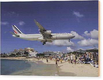 Air France St. Maarten Landing Wood Print by David Gleeson