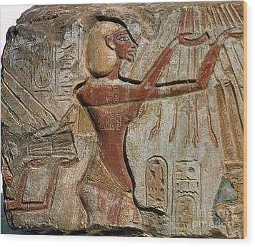 Akhenaten, New Kingdom Egyptian Pharaoh Wood Print by Science Source