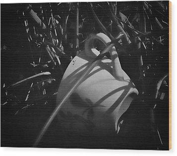 Al Fresco Wood Print by Odd Jeppesen
