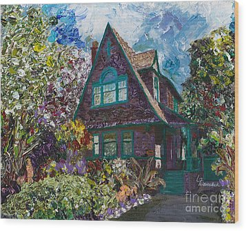 Alameda 1907 Traditional Pitched Gable - Colonial Revival Wood Print