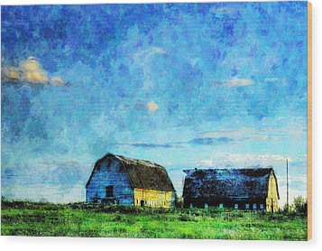 Alberta Barn At Sunset Wood Print