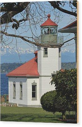 Wood Print featuring the photograph Alki Lighthouse by E Faithe Lester