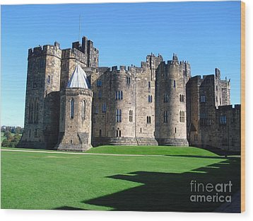 Wood Print featuring the photograph Alnwick Castle Castle Alnwick Northumberland by Paul Fearn