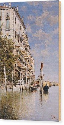 Along The Grand Canal Wood Print by Rafael Senet