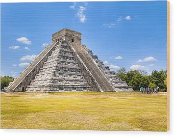 Amazing Mayan Pyramid At Chichen Itza Wood Print by Mark Tisdale