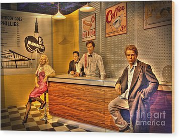 American Cinema Icons - 5 And Diner Wood Print