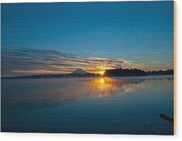 American Lake Sunrise Wood Print