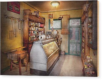 Americana - Store - At The Local Grocers Wood Print by Mike Savad