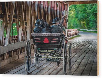 Amish Family On Covered Bridge Wood Print by Gene Sherrill