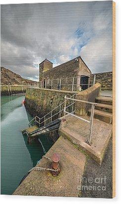 Amlwch Port Lighthouse Wood Print by Adrian Evans