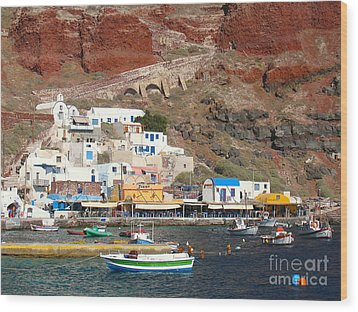 Amoudi Bay Wood Print by Suzanne Oesterling