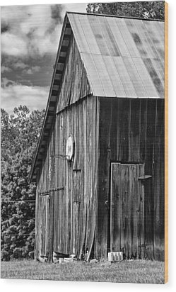 An American Barn Bw Wood Print by Steve Harrington