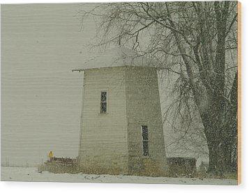 An Old Bin In The Snow Wood Print by Jeff Swan