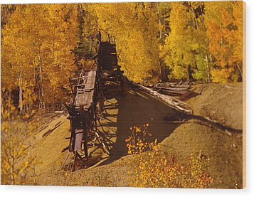 An Old Colorado Mine In Autumn Wood Print by Jeff Swan