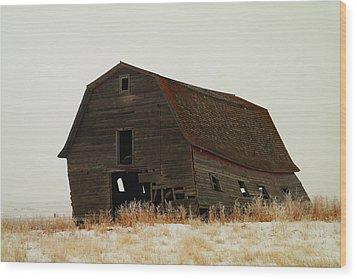 An Old Leaning Barn In North Dakota Wood Print by Jeff Swan