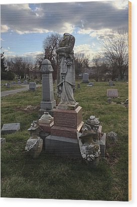 Angel Of Eastern Cemetery Wood Print by Andrew Martin