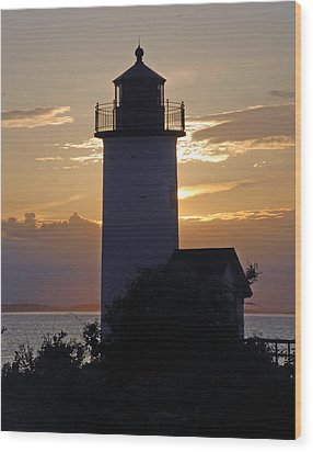 Annisquam Lighthouse Sunset Wood Print by Richard Bryce and Family