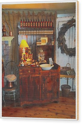 Antiques And Fragrances Wood Print by Glenn McCarthy Art and Photography