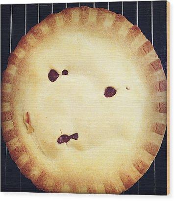 Apple Pie Wood Print by Les Cunliffe