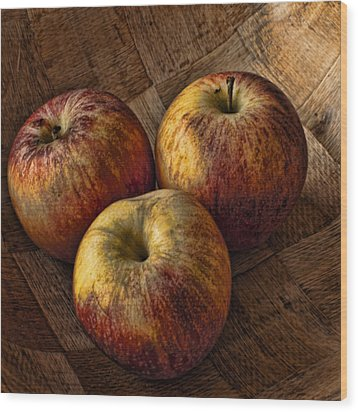 Apples Wood Print by Steve Purnell