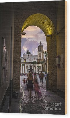 Arc Of The Rose Cadiz Spain Wood Print